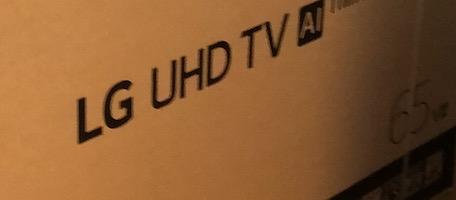 LGのSmartTVを2台設置、65UM7300EJA、65UN8100PJA